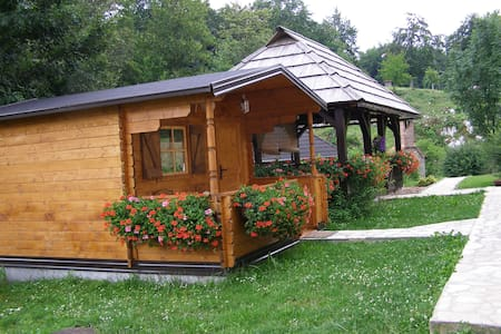 HOUSE MARKO - PLITVICE ROOM 4 - Bed & Breakfast