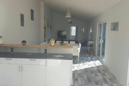 4* Maison de 200 m2 - 10 à 14 pers - Haus