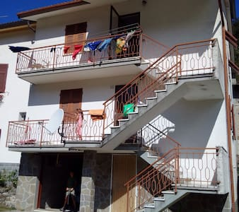 Casa vacanze Val d'Aveto - Hus