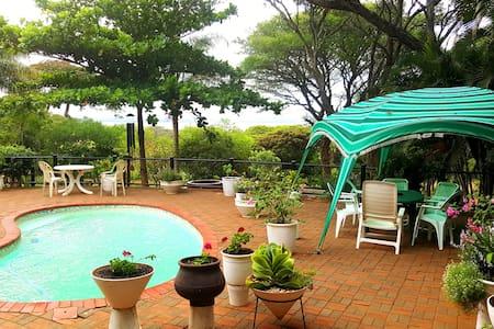 False Bay Guest House - North Uthungulu