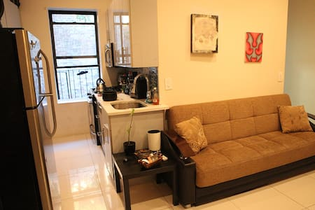 Affordable and Comfortable Space - Brooklyn - Apartment