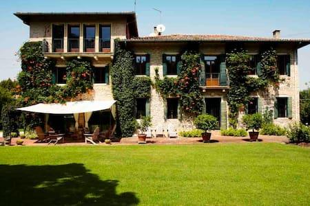 Fabulous design villa with pool - Pozzetto - Villa