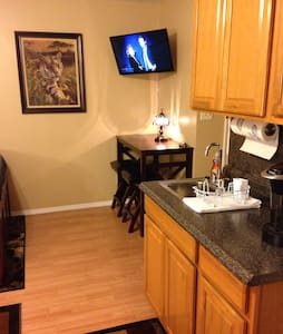 Taylor-Cook Properties Studio Suite- Bowling Green - Byt