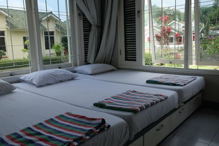 5 Bedroom Villa @Green Apple Puncak - Villa