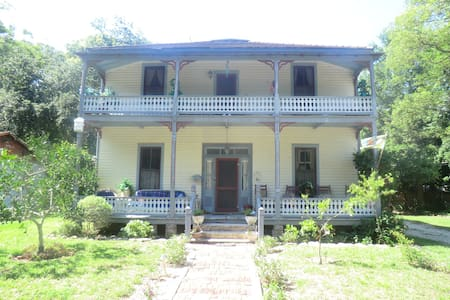 """Once Upon A Time """"The Riverside Boarding House"""" - Saint Augustine - Haus"""