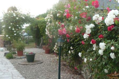 chambres en pleine nature au calme - Fresnay-l'Évêque