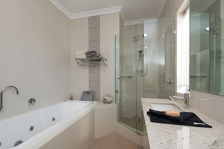 Luxury plus King-sized spa suite - Como - Maison de ville