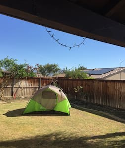 Backyard camping, Coachella - 獨棟
