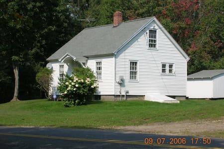 White Properties, LLC - Sandisfield - Ház