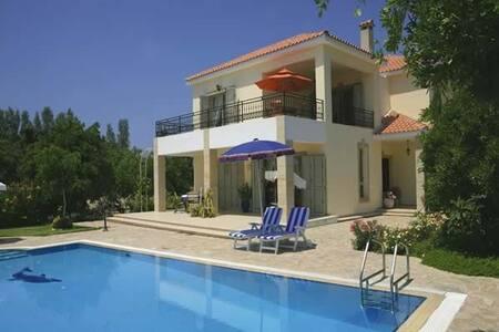 Villa Niki(WI-FI,OUTDOOR TOYS,BBQ,PRIV. SWIM.POOL) - Argaka - Rumah