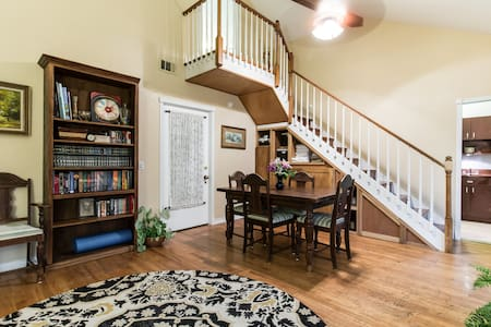 Family & Group Friendly Vaykshin - Fort Worth - House