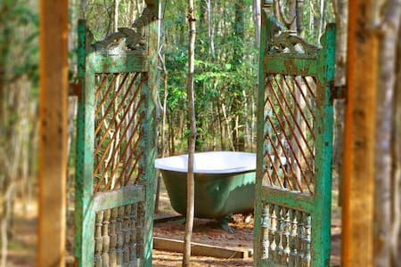 Romantic Getaway- Treetops Cottage - Kulübe