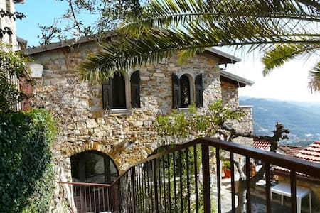 Villa rustico ben arredata vista mare e giardino - Diano Arentino