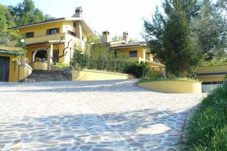Villa in campagna a due passi dal mare - Vasto