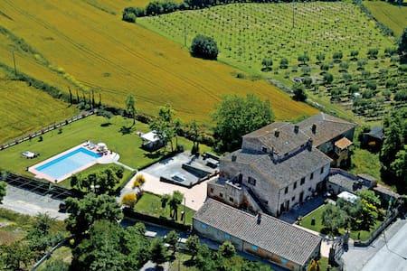 Fattoria Le Giare - Spiga, sleeps 4 guests - Fratticciola - Apartment