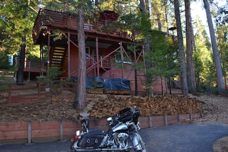Twisted Oak Chalet-Private Room & Breakfast - Bed & Breakfast