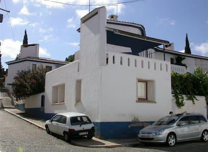 Casa Dr. Barata - Vila Viçosa - Apartament