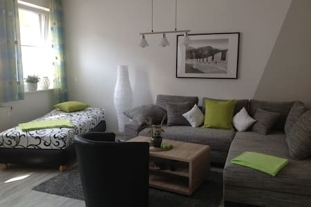 NEUE im Juli eröffnete Ferienwohnung auf 69 qm - Apartment