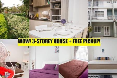 WOW! 3-storey house + FREE pickup! - Phnom Penh - Casa