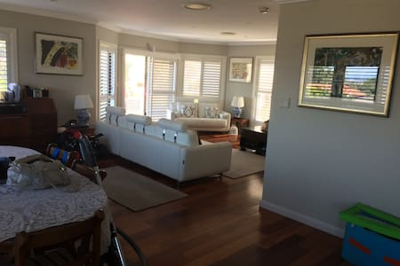 2 rooms one with en suite - Townhouse
