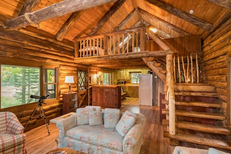 Lake Front Log Cabin, Amazing Views - Cabane