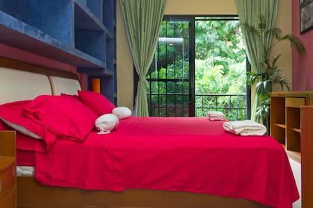 King with Balcony,  300m from beach - Playa del Carmen - Bed & Breakfast