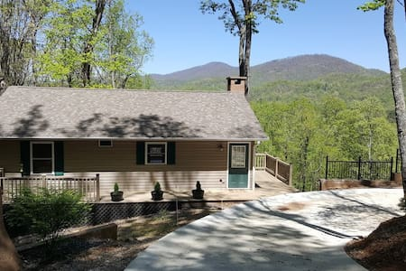 Home with beautiful mountain views - Franklin - Casa
