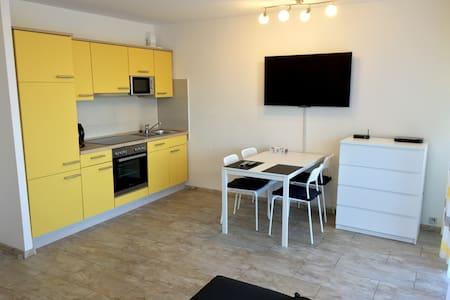 Modernes Apartment Messenah TIP-TOP - Ratingen - Appartement