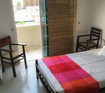 Cosy Sea View 3 Bed Apt - Wifi - Colombo - Apartment