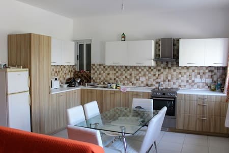 Bright, Spacious and Modern Apartment in Zebbug - Ħaż-Żebbuġ