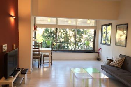Central-Beautiful-Sunny TLV Apt. - Tel Aviv-Yafo