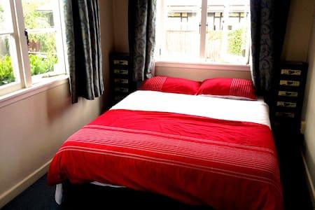 Quiet Room in Central Parnell - Auckland - Reihenhaus