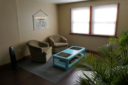 Simple, Spacious- 2nd Floor Suite - Milwaukee