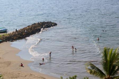 Beach View Breezy Pool WiFi AC 1 bed 2 bath fun! - Cartagena