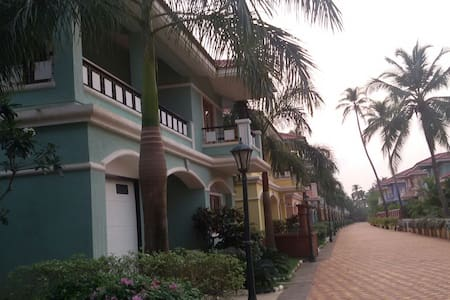 Villa has all the trappings of luxury resort and is located close to majorda beach , having all the amminities like swimming pool, landscaped gardens, children's play area, club house,24 hr security.villa is 20 min drive to goa airport.