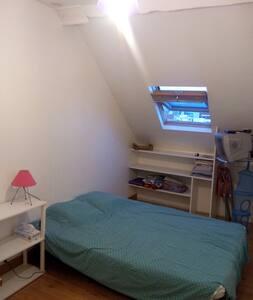 studio centre ville de Vichy - Apartment