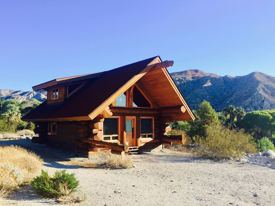 pioneer log cabin in whitewater canyon cottages for rent in white water pioneer log homes. Black Bedroom Furniture Sets. Home Design Ideas