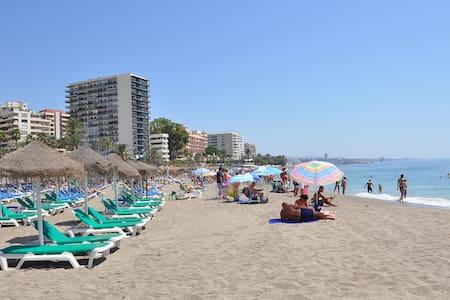 NICE APT.-FIRST LINE BEACH-CENTER - Marbella