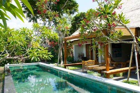 Open Jungle view by riverside (King room#1) - Sukawati