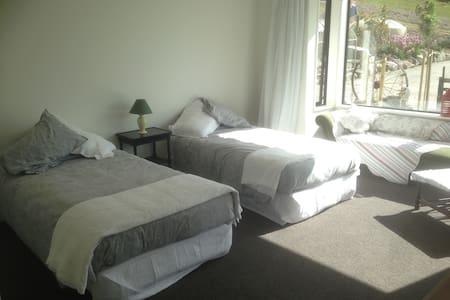 Gibbston Heights Retreat Room 2 - Gibbston