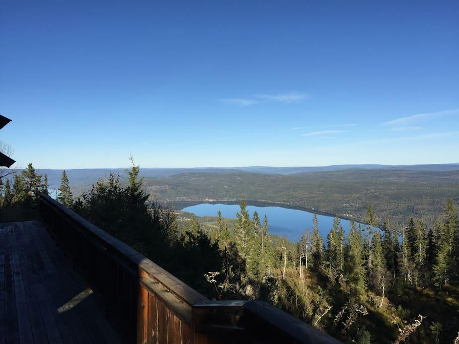 Nydelig utsikt over innsjøen Sperillen