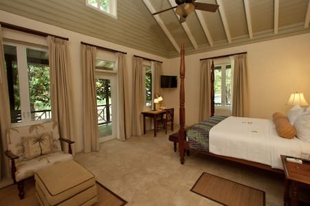 Riverside Suite, Rosalie Bay Resort - Rosalie - Andere