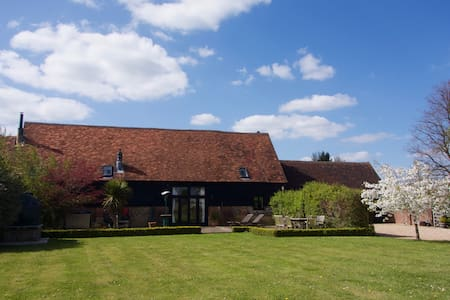 Magnificent Converted Barn Henley on Thames - Hambleden - Huis
