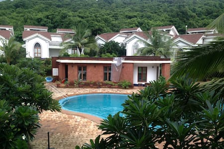 2 Bedroom Pool Facing Apartment in Arpora/Baga - Apartment