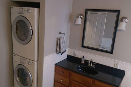 1 Bedroom Boho Retreat (Permit #: PLAHS1606-002) - Duluth - Maison