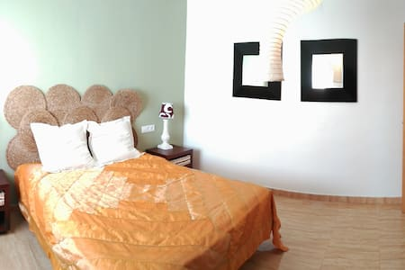 Casa en Ibi, maison a Ibi, house in Ibi (Alicante) - Wohnung