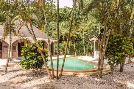 Villa Serenella room 3 close to Punta Popy beach - Villa