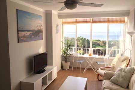 Apartamento con increíbles vistas al mar - Piso Inteiro