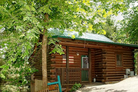Knotty Pine - A Perfect Vacation Retreat - 盖林柏格(Gatlinburg)
