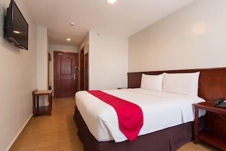 5MIN AyalaMall, BREAKFAST, WIFI (2) - Bed & Breakfast